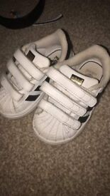 Size 4 superstars