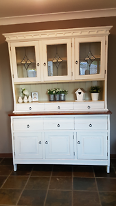 DISPLAY CABINET HUTCH/FRENCH PROVINCIAL BUFFET Munruben Logan Area Preview