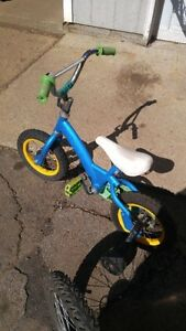 boy's bike for sale with training wheels