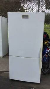 505 liter left hand size buttom freezer westinghouse fridge   it is in