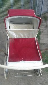 Awesome antique baby carriage in amazing condition Belleville Belleville Area image 2
