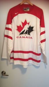 Canadian T-Shirt & Jersey For Sale