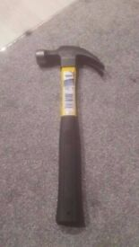 Brand new Draper fibreglass shaft claw hammer