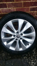 235/50/18 bridgestone like new alloys + tyres astra gtc and others