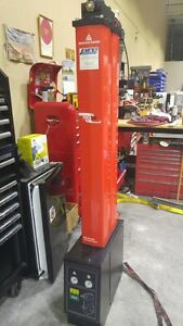 GREAT PRICE!!!! DME 080 Dessicant Dryer - with DDS - In Stock an