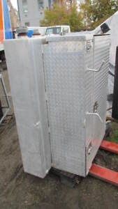 VERTICAL CHECKER PLATE TOOL BOX WITH FUEL TANK