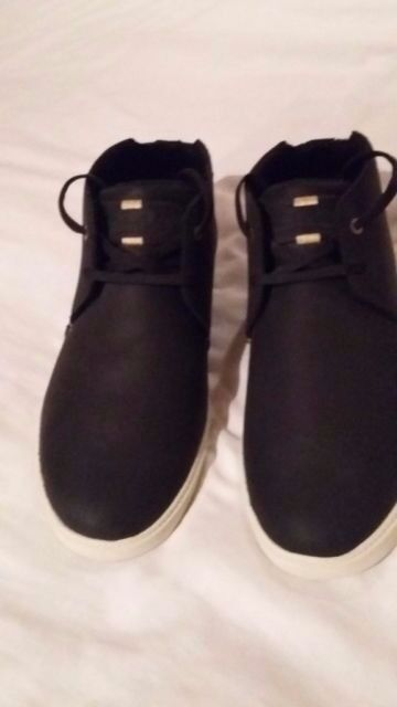 Gents 8 Timberland boot/shoes NEVER WORN