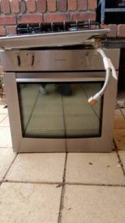 WESTINGHOUSE NATURAL GAS COOKTOP AND GAS UNDERBENCH OVEN