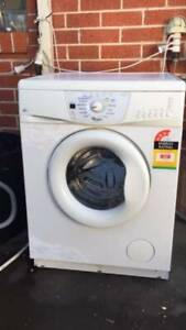 3.5 star 7 kg whirlpool front washing machine .   Dimentions is 60cm w