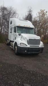 2007 Freightliner COLUMBIA with Bunk: Price Negotiable $25,000