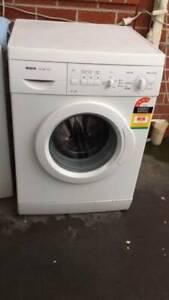 4.5 star 6.5 kg BOSCH front washing machine   it is in good working or