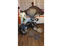 Selling Stokke Crusi with stokke car seat & accessoires Mint condition