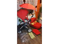 Beautiful ❤️Stokke Crusi with carrycot & accessoires Mint condition