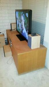 Oak TV Entertainment Unit Merewether Newcastle Area Preview