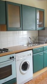 LARGE TWO BEDROOMED FURNISHED FLAT WITHIN WALKING DISTANCE OF CARDIFF TOWN CENTRE