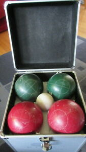 Competition Quality Sportscraft Bocce Ball set with metal carryi