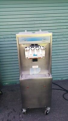 Taylor 794-33 Soft Serve Ice Cream Frozen Yogurt Machine