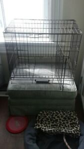 STEEL ANINAL CAGE WITH HANDLE.