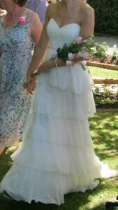 "Rue De Saine ""Fluer"" Wedding Dress, Size 6, RRP$1800 in cream Chittaway Bay Wyong Area Preview"