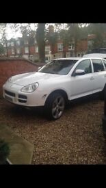 Porsche Cayenne, lpg, wrapped in white , 22 inch alloys