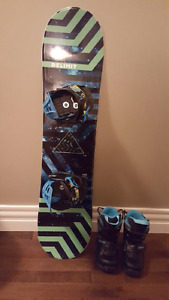 Youth snowboard, boots and bindings for sale