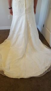 Size 12 Melissa Sweet Wedding Dress London Ontario image 5