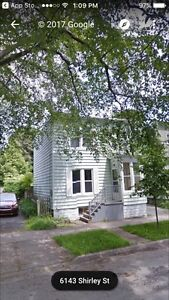 3 BR South End. Amazing location. Family home. Pet Friendly.