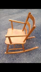 Chaise berçante antique Vilas