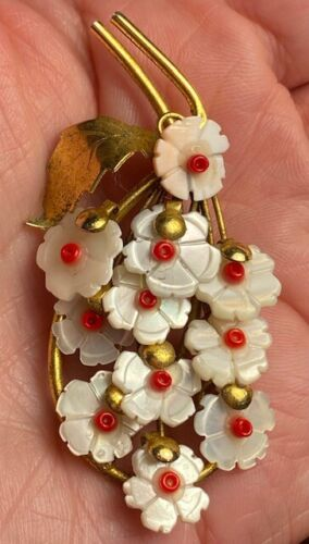 Vintage Nouveau carved pearl Shell flowers gold tone antique pin brooch #1698