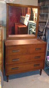 Bureau avec miroir antique