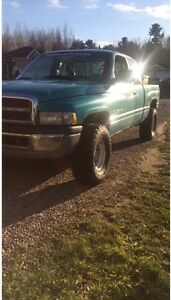 1997 Dodge Power Ram 1500 SLT Pickup Truck