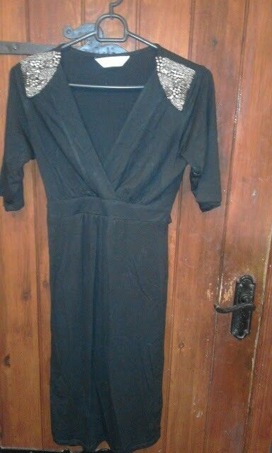 4b0bd7f0dac6a4 4 maternity dresses size 8 from H & M, Mamas and Papas and Dorothy Perkins