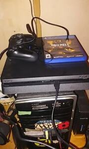 Call of Duty blackops 4 Bundle 1td PS4. Used once by gf.