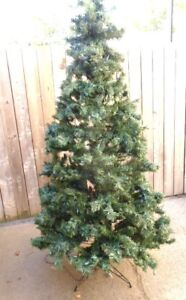 """6.5"""" Decorated & Pre-lit Pine CHRISTMAS TREE by Oregon Light Up."""