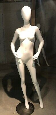 Free Shipping Used Showroom Sample Gloss Wht Abstract Egg Head Female Mannequin
