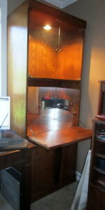 Moving: Oak dispay cabinet with middle pull-down
