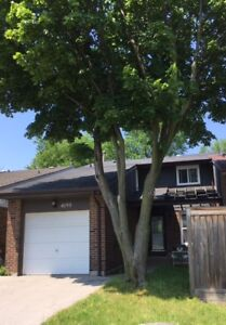3 Bedroom house in South Common Mall area -- move in now
