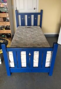 Childs Bed w/ Table