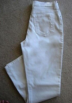 GLORIA VANDERBILT AMANDA Stretch White Slimming Jeans - 8 Long / Tall on Rummage