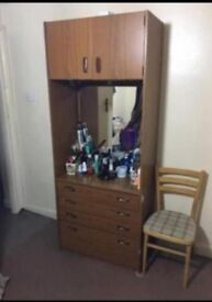 Dressing Table and Wadrobe ( FREE PICK UP )