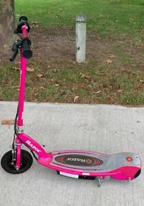 Razor E100 Electric Scooter ***good as new***