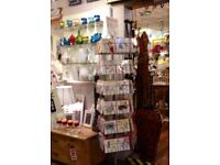 GREETINGS CARDS SPINNERS;FLEXIBLE DISPLAY;UP TO 48 STYLES;V.GOOD;PLATINUM COL. COATED;CASTORS