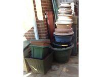 Joblot of plastic garden pots
