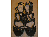 BNWT Primark beautiful black Shoes Size 9/43 new heels WIDE FIT leather insoch