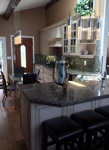 "TOBERMORY waterfront cottage rental luxury-HS Internet-55"" TV"