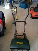 Yardworks Electric snow blower / Thrower in very good condition