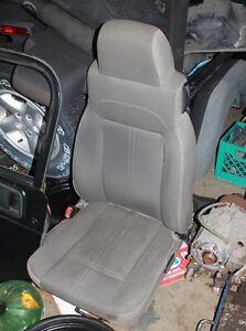0 IIIII 0 2003 - 2006 Jeep TJ Sahara Model Seats