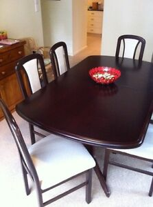 Dining table & six chairs Armidale Armidale City Preview