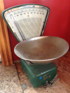 Antique Scale in perfect condition