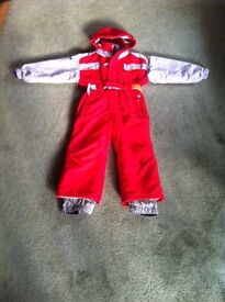 Children's ski suit age 4 (but was worn by our 6 yr old) Open to offers.